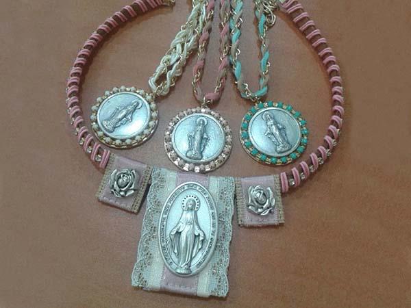 accesorios-con-iconos-religiosos