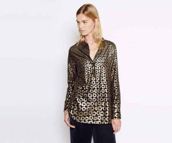 camisa-negra-y-dorada-equipment