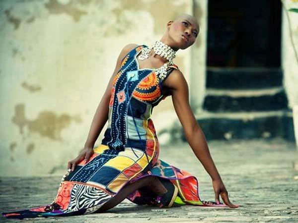 vestido-de-mujer-con-tejido-patchwork